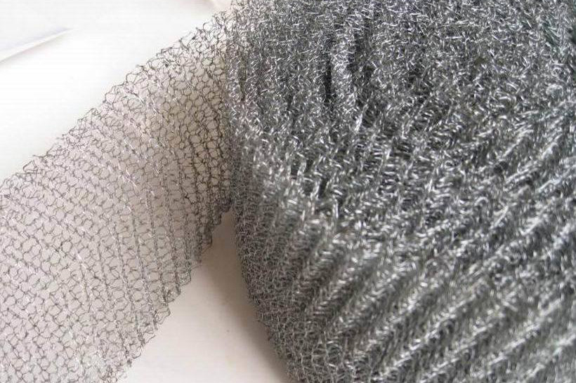 Ginning knitted wire mesh tape