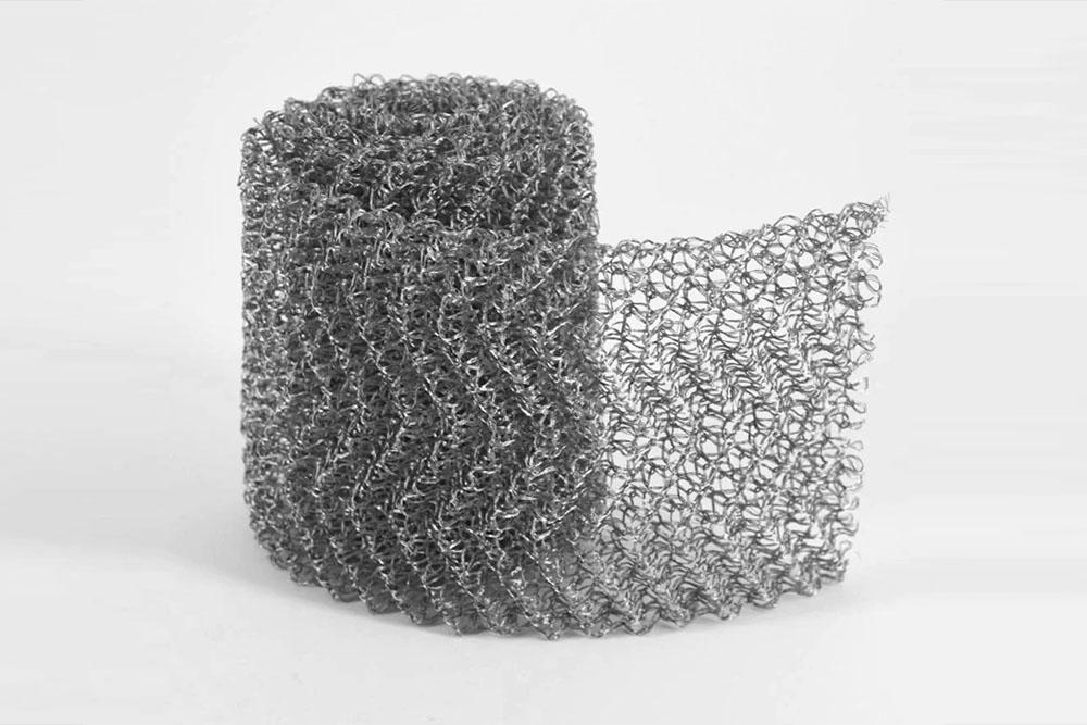 Ginning knitted mesh
